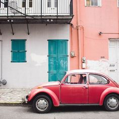 Beep beep! Talk about car goals! We're day dreaming of traveling to the beautiful city of Havana, Cuba! | Photo by Urban Outfitters