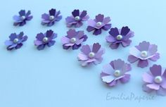 """Handmade 3D Flowers  - 1"""" 1/2 inches (3.5 cm) - Wedding Table Decoration/Showers/Birthday by EmiliaPaperie on Etsy"""
