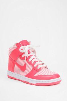 hot sale online 1b0f9 513ae Nike Striped Dunk High Sneaker