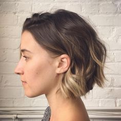 Latest most popular ombre hair styles for short hair. The ombre hair and the short cuts are the hot Ombre Bob Hair, Ombre Hair Color, Dip Dye Hair Brunette, Ombre Short Bob, Ombre Style, Short Wavy, Short Bob Haircuts, Bob Hairstyles, Casual Hairstyles