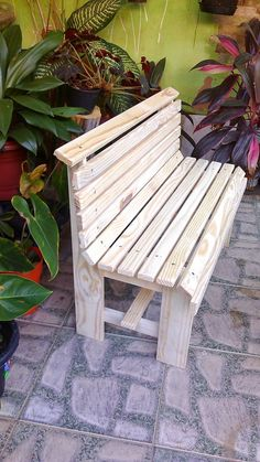 Adirondack chair, reclaimed wood DIY - Make this beautiful Adirondack Chair yourself! See this post for the Furniture Plans, instructions and supply list to build. Lawn Furniture, Diy Pallet Furniture, Furniture Plans, Rustic Furniture, Cool Furniture, Adirondack Furniture, Pallet Sofa, Furniture Cleaning, Adirondack Chairs