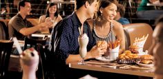 Cafes in Las Vegas – BLT Burger. Hg2Lasvegas.com.