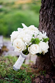 White Rose #WeddingBouquet I BRC Photography I http://www.weddingwire.com/wedding-photos/real-weddings/oklahoma-mountain-top-wedding/i/1681e0a08ae55715-f908f9fa8a186666/b0210389baa5f69f