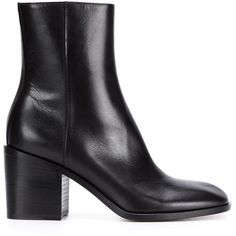 Maison Margiela chunky heel ankle boots (€630) ❤ liked on Polyvore featuring shoes, boots, ankle booties, heels, black, black leather boots, chunky heel booties, short black boots, black chunky heel booties and black leather bootie