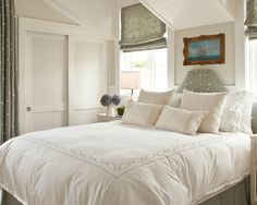 Door Ideas, Beach Style Bedroom With Sliding Closet Doors With Latice Also Modern Queen Size Bed With White Quilt And Pillowcase Also Brown Classic Picture Frame Also Gray Modern Retractable Curtains With Dots Pattern: Kinds of Interior Sliding French Doors
