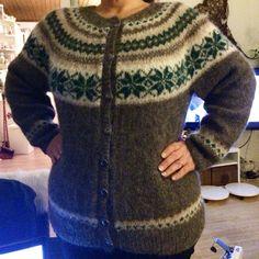 Nancykofte, strikket i Drops alpaca silk brushed.