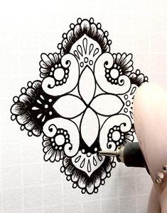 Doodle Art Drawing, Zentangle Drawings, Zentangle Patterns, Zentangles, Mandala Art Lesson, Easy Mandala Drawing, Art Tutorials, Drawing Tutorials, Motif Art Deco