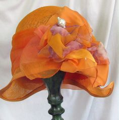 I love this Vintage Cloche Style Hat!