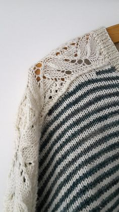 Japan Sleeves by Joji Locatelli, knitted by Diddi22   malabrigo Sock in Natural and Aguas
