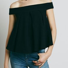 Free People Priscilla top sz S black Ripple jacquard textured off the shoulder top with swing silhouette. Machine wash   Hits at waist  size small Free People Tops