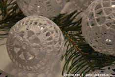 decoupage i inne dziwadła ...: Bombki szydełkowe ze schematami cz.2 Crochet Ball, Decoupage, Christmas Decorations, Balls, Noel, Jewerly, Christmas Decor, Christmas Tables, Christmas Jewelry