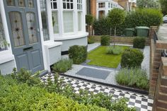 gorgeous-home-garden-landscaping-ideas-on-small-space-design-white-pebble-chessboard-tile-brick-fence