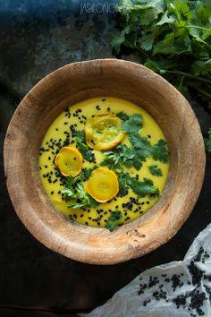 jadłonomia · roślinne przepisy: Cytrynowa zupa z cukinii