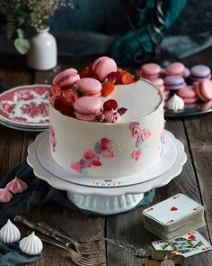 Jablkové tartaletky so slaným karamelom - Coolinári Panna Cotta, Cheesecake, Ethnic Recipes, Desserts, Blog, Mini, Basket, Tailgate Desserts, Dulce De Leche