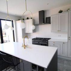 Decor Home Living Room, Home Decor Kitchen, Home Kitchens, Kitchen Ideas, Modern Shaker Kitchen, House Extension Plans, Open Plan Kitchen Dining Living, Kitchen Diner Extension, Messing
