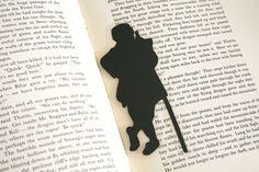 Der kleine Hobbit (Bilbo) - Hand-Schnitt Silhouette Bookmark, Herr der Ringe-Bookmark, Lesezeichen der Hobbit, Tolkien Kunst, literarische Figur von GracefulDiligence auf Etsy https://www.etsy.com/de/listing/168388497/der-kleine-hobbit-bilbo-hand-schnitt