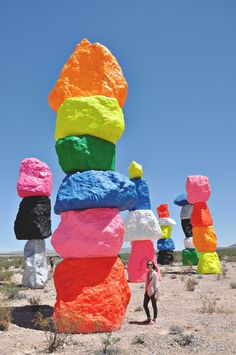 Seven Magic Mountains created by the Swiss artist, Ugo Rondinone. Abstract Sculpture, Sculpture Art, Ugo Rondinone, Seven Magic Mountains, English Artists, Environmental Art, Installation Art, Art Installations, Public Art