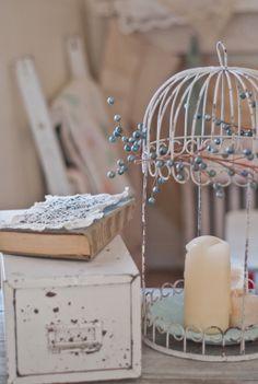 Vintage Christmas Decor at www.vintagewhitesblog.com