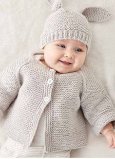 Latest Free of Charge Crochet baby jacket Suggestions Easy Rib Baby Jacket Strickanleitung Bernat Knit Baby Jacket Set Gratisanleitung # # Baby Cardigan Knitting Pattern Free, Knitting Patterns Boys, Baby Sweater Patterns, Knitted Baby Cardigan, Knit Baby Sweaters, Knitted Baby Clothes, Easy Knitting, Baby Patterns, Cardigan Pattern