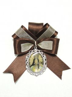 Cowboy Art, Ribbon Crafts, Rosettes, Wood Watch, Hair Bows, Diy And Crafts, Chokers, Jewelry Design, Fabric