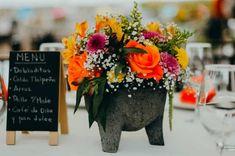 ¿A tu boda le falta un no sé qué? Podría ser en la mesa de bienvenida o de postres, los centros de mesa o los recuerdos para los invitados. En esta galería encontrarás ese algo que buscas para darle un toque mágico y original.