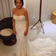 VESTIDO À VENDA!!! A seguidora Scheila acabou de colocar seu vestido de noiva à venda no nosso site @vendaseuvestido!!! Para mais informações, basta entrar no site www.vestidosc.com.br