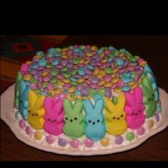 EASY EASTER CAKE - will make a pink lemonade cake, maybe use green dyed coconut for top part and put in jelly beans instead of M's - because of peanut allergies Ovo, Easter Candy, Easter Food, Easter Desserts, Easter Stuff, Easter Bunny Cake, Easter Pie, Easter Ideas, Happy Easter