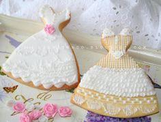 Biscotti vestiti da sposa: la #moda può passare anche per la cucina! #fashioncookie