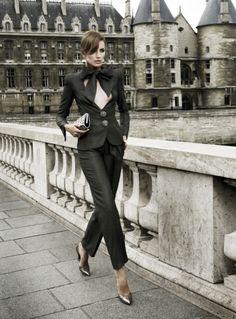 In Armani Prive - have parisienne style Womens Fashion For Work, Work Fashion, Fashion Week, Fashion Outfits, Fashion Black, Style Fashion, Parisienne Chic, Armani Prive, Smoking Tuxedo