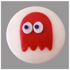 Pacman topper cupcake