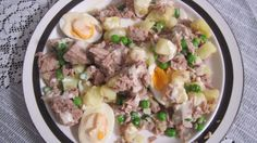 Thibeault's Table The Recipe Collection: Salad Nicoise - I had a version of this in Cannes 10 years ago and I've never forgotten it. Nicoise Salad, Recipe Collection, Salad Recipes, Salads, Food And Drink, Soup, Fresh, Chicken, Cannes