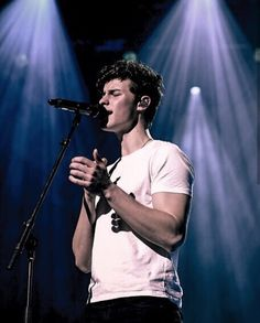 Chon Mendes, Shawn Mendez, Star Sky, Dolly Parton, What Is Like, Army, Celebrities, Celebs, Handsome