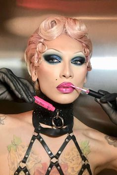 Miss Fame On Her Beauty Routine & What It's Like To Be A Drag Queen Today | Glamour UK #BeautyHacksBody Drag Queen Makeup, Drag Makeup, Hair Makeup, Makeup Man, Makeup Tips, Rupaul Drag Queen, Glamour Uk, Beauty Hacks, Beauty Tips