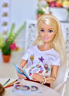 Hello Barbie, Barbie I, Barbie World, Fashion Sewing, Fashion Dolls, Descendants Coloring Pages, Barbie Tumblr, Realistic Barbie, Barbie Room