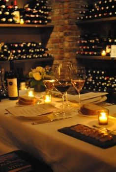 romantic dinner in a wine cellar. Great romantic idea if you're planning to propose to someone Tasting Room, Wine Tasting, Art Du Vin, Art Cafe, Wine Merchant, Wine Vineyards, Dinner For Two, Wine Dinner, Wine O Clock