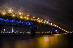 Auckland bridge by Toby Baldwin on 500px