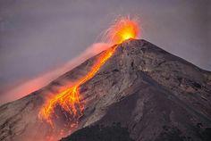 Volcán de Fuego en erupción Guatemala