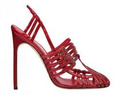 Bellezapura Manolo Blahnik, el gurú de los zapatos de tacón presenta sus nuevas tendencias de zapatos con varios modelos de inspiración olímpica » Bellezapura