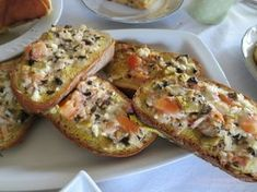 Αυγόφετες στο φούρνο με γεύση πίτσας!! Για πρωινό...για βραδινό με μπυρίτσα ..όπως σας αρέσει... Σας περίσσεψε ψωμί ξερό...εκτό...