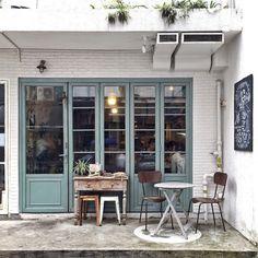 thejonmartincom: a cute brunch spot // #hongkong by kessara http://ift.tt/1drJkgm