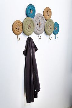 Vintage Button Iron Coat Rack Wall Decor With 5 Coat Hooks Multi Coloured 76894 | eBay
