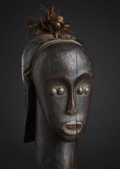 "Fang reliquary head "" MVAÏ "" (Ntem area ?) TÊTE D'ANCÊTRE or têtes de reliquaire (angokh-nlo-byeri), Fang Betsi, Fang Tête, Tete Fang Equatorial Africa, Symbolic Representation, Effigy, Occult, Masks, Death, Carving, Statue, Collection"