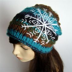 Slouchy snowflake hat - Knit hat with embroidered snowflake