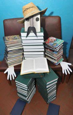 Book Displays, Library Displays, Book Week, 9 Year Olds, Book Lovers, Gift Wrapping, Classroom, Books, Art