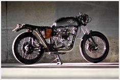 """Drifter Bike's '73 Triumph T140 - """"The Villain"""""""