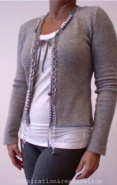 Sweater redo - Pearls and chains will do the trick - www.InspirationAndRealisation.com