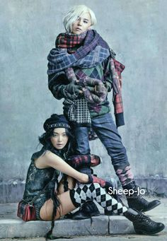 Models Sung Hee and pop star G-Dragon bring a sophisticated, fresh, artistic take to the typical tartan plaid, British rock festival fashion editorial, lensed by Kim Bo Sung as a traveling minstrell show for Vogue Korea's August issue. Grunge Fashion, Fashion Art, Editorial Fashion, High Fashion, Fashion Show, Fashion Design, Vogue Korea, Hobo Chic Style, Mode Tartan