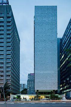 Edifício Palácio Quinta Avenida, São Paulo, Brasil. Pedro Paulo de Mello Saraiva e Miguel Juliano. 1959.