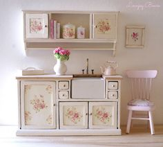#Miniature #pink & white #shabby kitchen