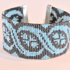 Bracelet tissé en perles gris et bleu